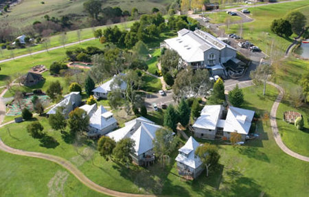 Pinnacle Valley Resort - Foster Accommodation