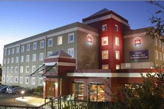 Hotel Ibis Thornleigh - Foster Accommodation