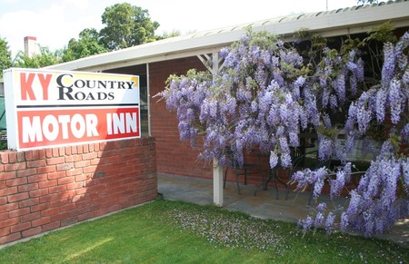 KY COUNTRY ROADS MOTOR INN - Foster Accommodation