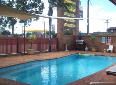 Town And Country Motor Inn Cobar - Foster Accommodation