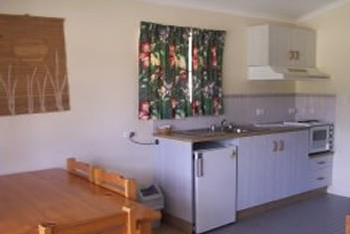 Halliday Bay Resort - Foster Accommodation
