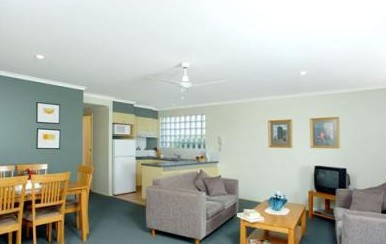 Beaches Holiday Resort - Foster Accommodation