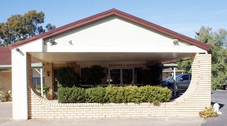 Burke And Wills Moree Motor Inn - Foster Accommodation