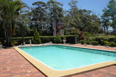 Beerwah Glasshouse Mountains Motel - Foster Accommodation