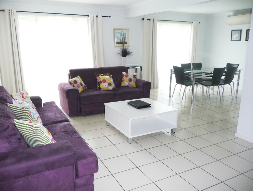 The Shores Holiday Apartments - Foster Accommodation