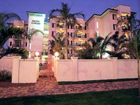 Tropic Towers Apartments - Foster Accommodation