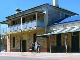 North Star Hotel - Foster Accommodation