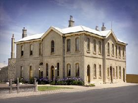 The Customs House - Foster Accommodation