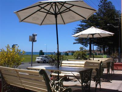Anchorage at Victor Harbor Seafront Hotel - Foster Accommodation