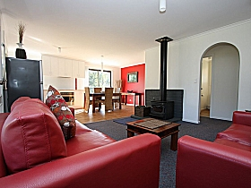 Bruny Island Villas - Eversley - Foster Accommodation