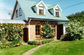 Conmel Cottage - Foster Accommodation