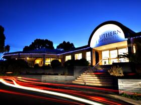 Southern Lights Hotel - Foster Accommodation