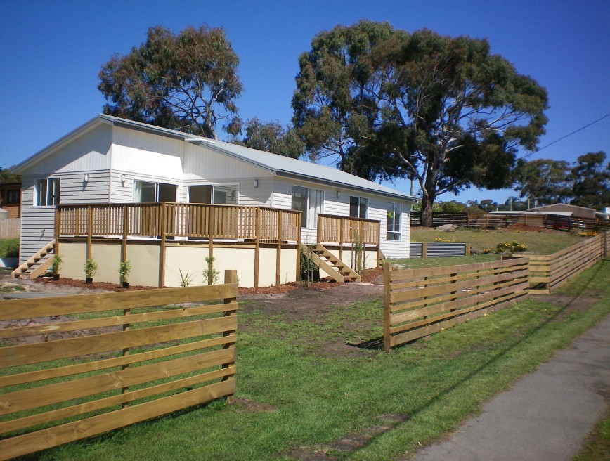 Waterside Accommodation - Foster Accommodation