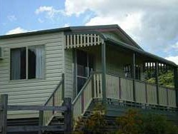 Halls Country Cottages - Foster Accommodation