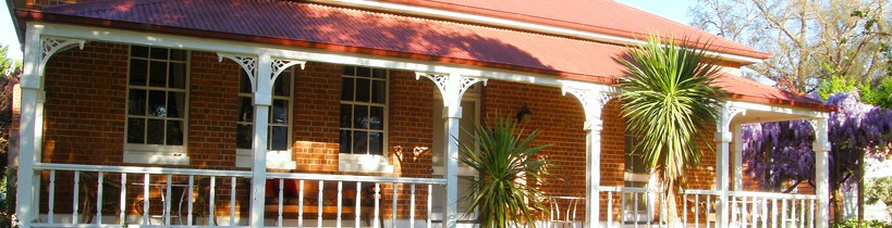 Araluen Old Courthouse Bed and Breakfast - Foster Accommodation