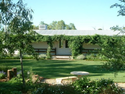 Wilga Park Cottage - Foster Accommodation