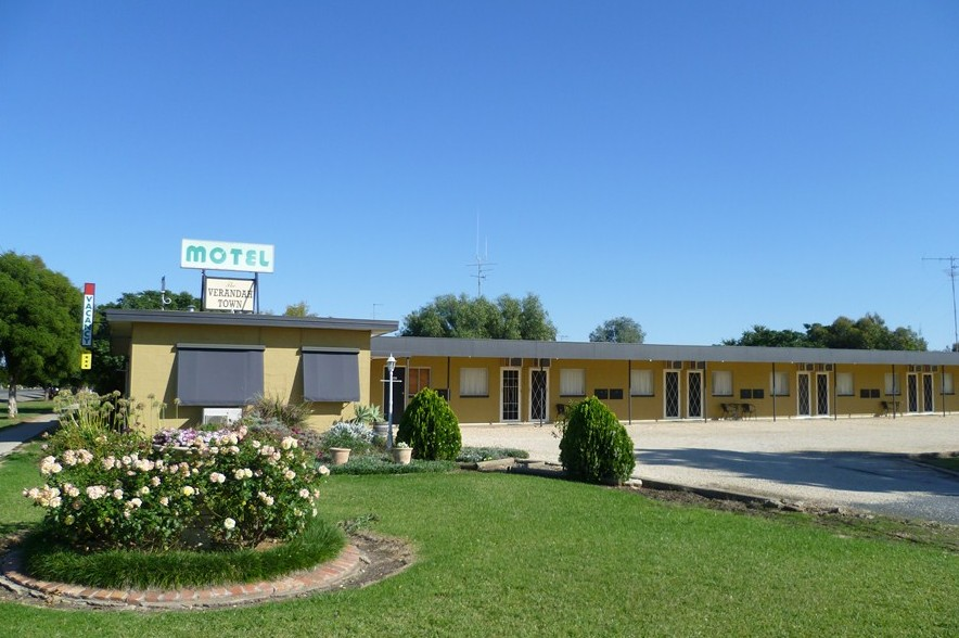 Lockhart Motel - Foster Accommodation