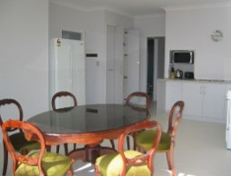 Olas Holiday House - Foster Accommodation