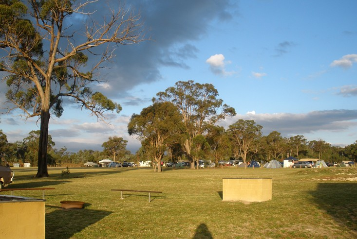 Sommerville Valley Tourist Park - Foster Accommodation