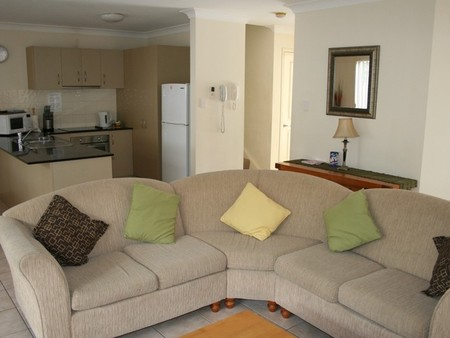 Pacific Sun Gold Coast Holiday Townhouse - Foster Accommodation