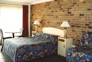 Crows Nest Motel - Foster Accommodation