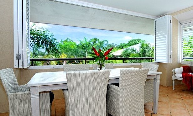 Cayman Villas Port Douglas - Foster Accommodation