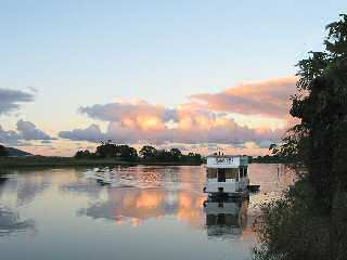 Tweed River Houseboats - Foster Accommodation