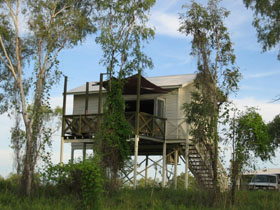 Fitzroy River Lodge - Foster Accommodation