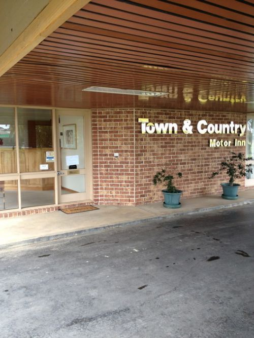 Town amp Country Motor Inn Forbes - Foster Accommodation