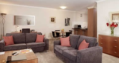 Ringwood Royale Apartment Hotel - Foster Accommodation