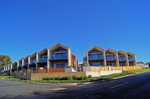 Seine Bay Apartments - Foster Accommodation