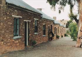 Burra Heritage Cottages - Tivers Row - Foster Accommodation