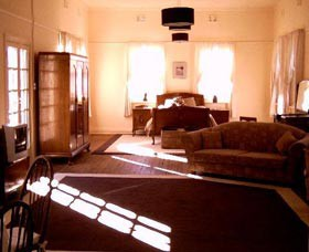 Old Parkes Convent - Foster Accommodation