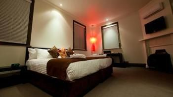 Burwood Inn Merewether - Foster Accommodation