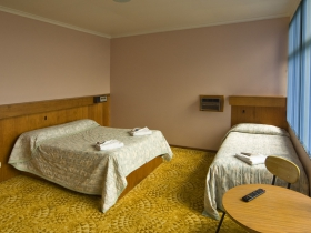Somerset Hotel - Foster Accommodation
