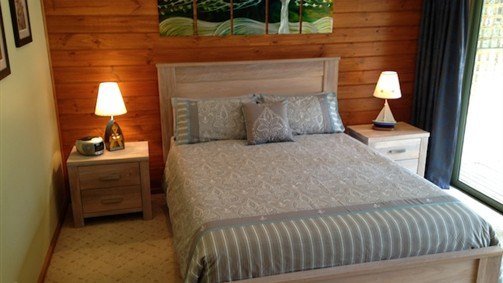 Southern Anchorage Retreat - Foster Accommodation