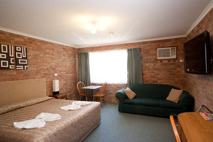 Allan Cunningham Motel and Old Wagon Restaurant - Foster Accommodation
