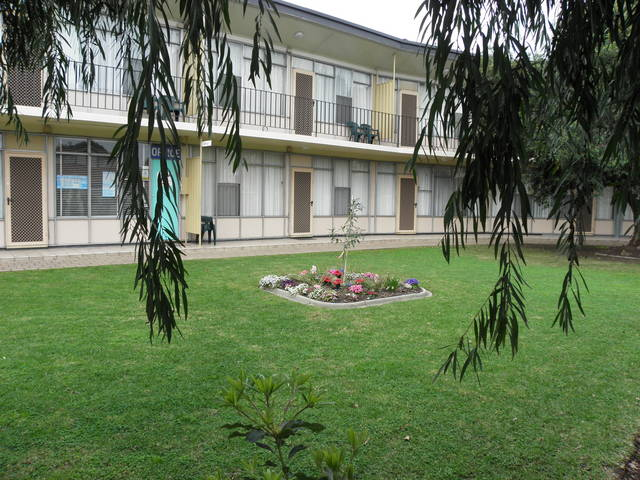 Capri Lodge Apartments - Foster Accommodation
