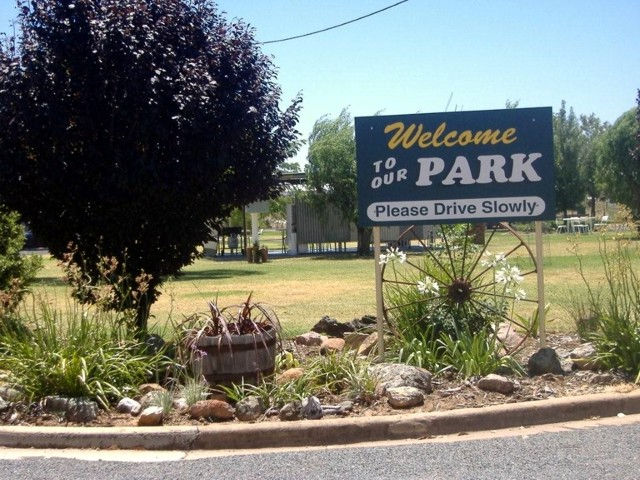 Country Club Caravan Park - Foster Accommodation