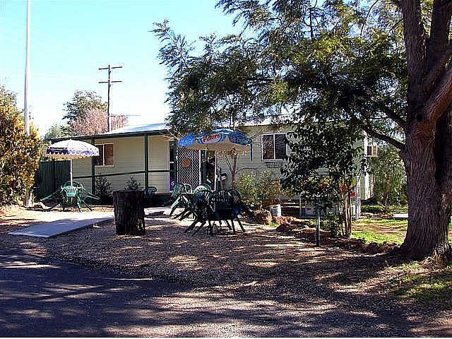Manilla River Gums Caravan Park - Foster Accommodation
