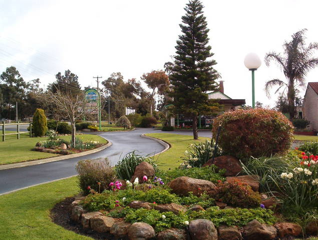 Mount Barker Valley Views Motel and Chalets - Foster Accommodation