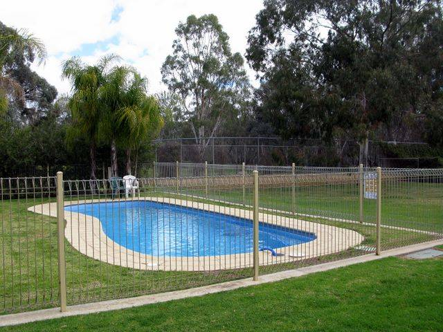 Pioneer Tourist Park - Foster Accommodation