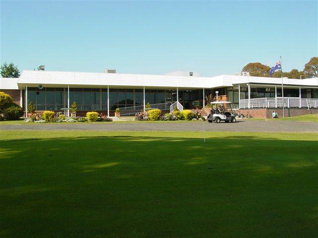 Tenterfield Golf Club and Fairways Lodge - Foster Accommodation