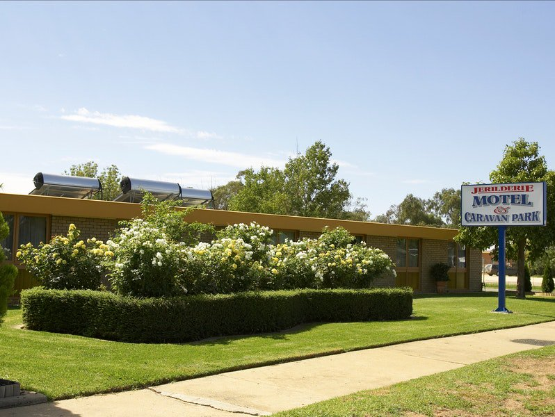 Jerilderie Motel and Caravan Park - Foster Accommodation