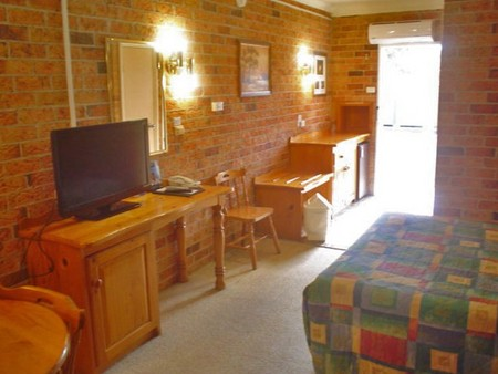 Coachmans Rest Motor Lodge - Foster Accommodation