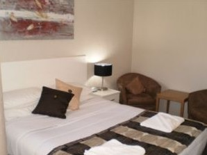 Country Leisure Motor Inn - Foster Accommodation