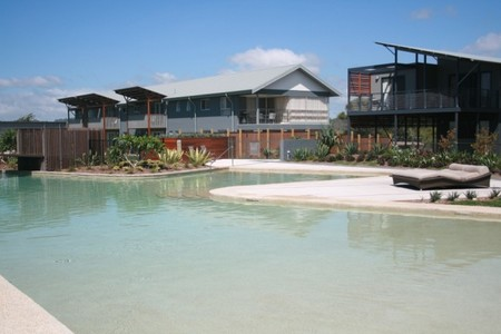 Australis Diamond Beach Resort  Spa - Foster Accommodation