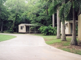 Travellers Rest Caravan and Camping Park - Foster Accommodation