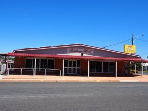 Railway Hotel Condobolin - Foster Accommodation