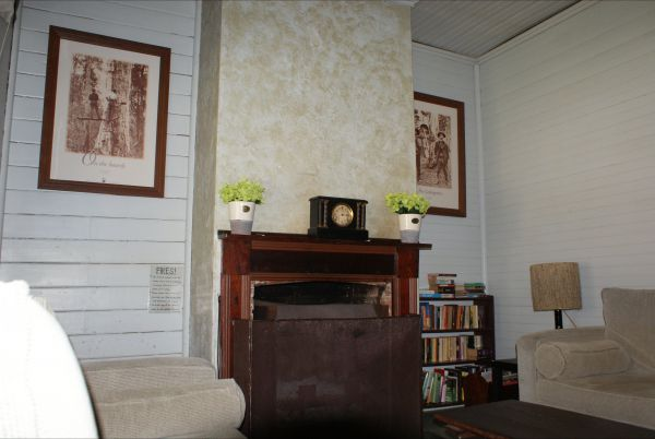 Moonan  Cottage - Foster Accommodation